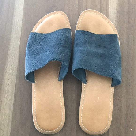 3a464e926e30 Rebels Suede Slide Sandals. M 5aba80519a94552322acbb61